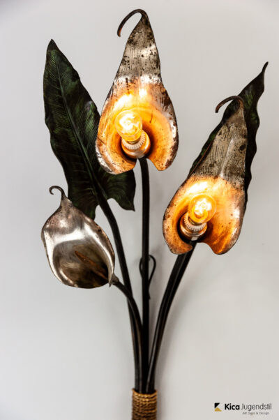 Exceptional and Rare White Calla Lilies Wall Lamp, circa 1900s