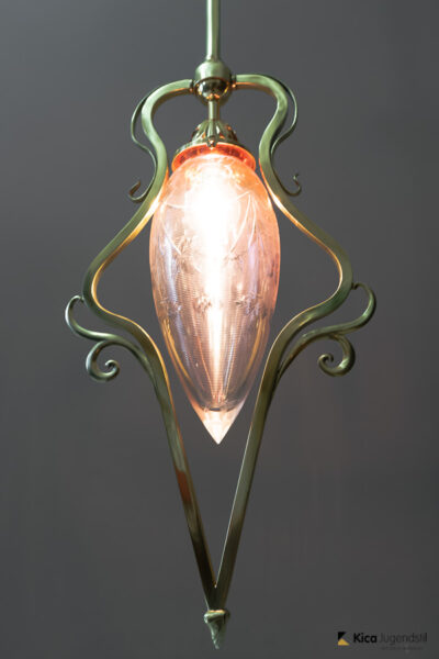 Jugendstil Pendant Vienna circa 1907 with Original Cut Glass